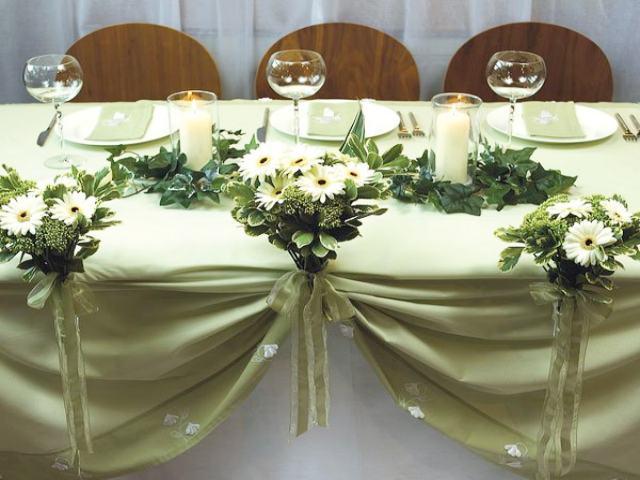 decoracion de salones con flores y telas para fiestas ambientacion de