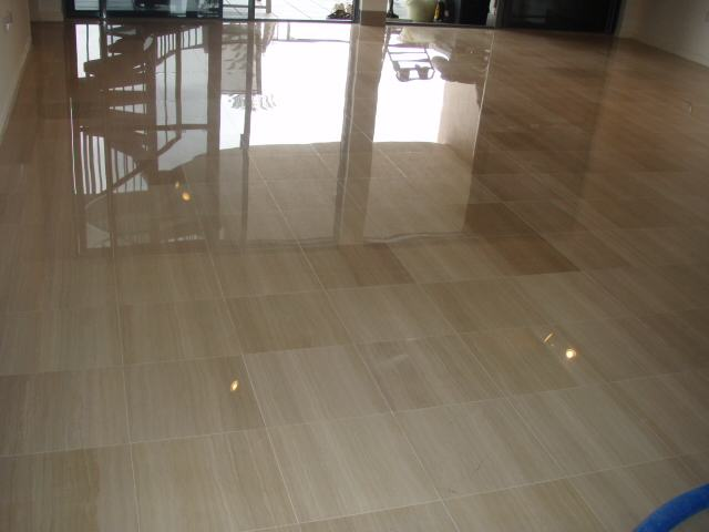 Pulido de mosaicos diamantado pulido diamantado for Como limpiar pisos de marmol